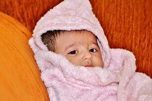 Kąpiel noworodka – w co się zaopatrzyć?