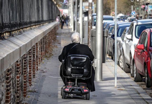 Niepełnosprawność ruchowa – jak ułatwić życie chorym najbliższym